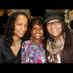Cousin Liz Jones Lee on right, Liz daughter Shana Lee on left and Shana daughter in the middle. Liz Jones Lee, is the da